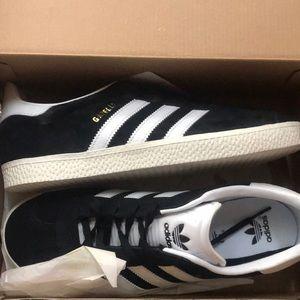 Las Adidas Originals zapatos poshmark